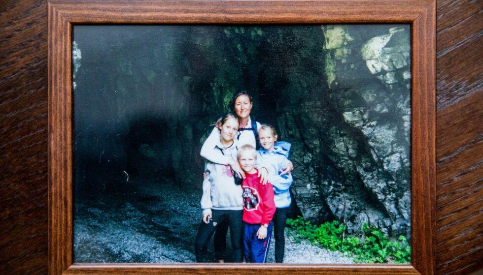 Idyll: Toril med de tre barna, noen år før livet tok en dramatisk vending. Foto: Christian Roth Christensen / privat.