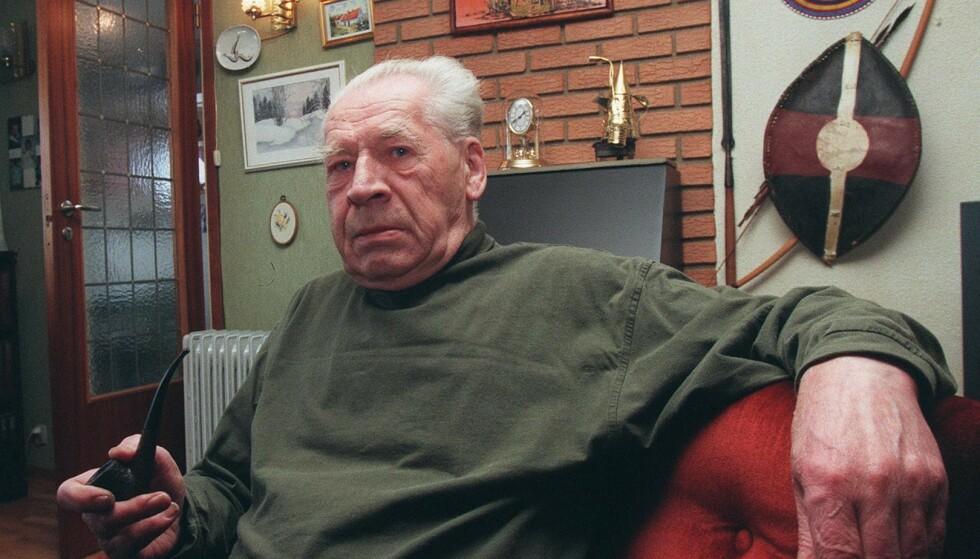 PARODISK JULESANG: Astow Ericson skrev den kjente julevisa «Julekveld i skogen» for å uttrykke sin misnøye rundt julestria. Han døde i juli 2004. Foto: Morten Holm / NTB Scanpix