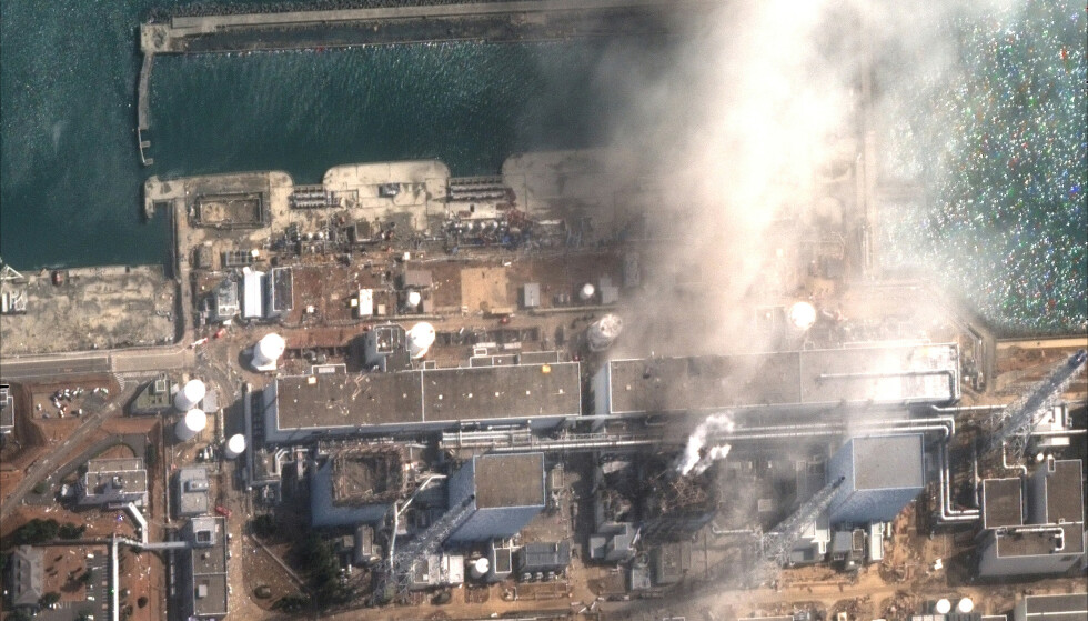 ULYKKE: - Konsekvensene av ulykken har vært og er dødelige, bare ikke på det viset vi tror, skriver Øystein Heggdal. Bilde av Fukushima Daiichi atomkraftverk fra 14. Mars 2011. Foto: Reuters/NTB
