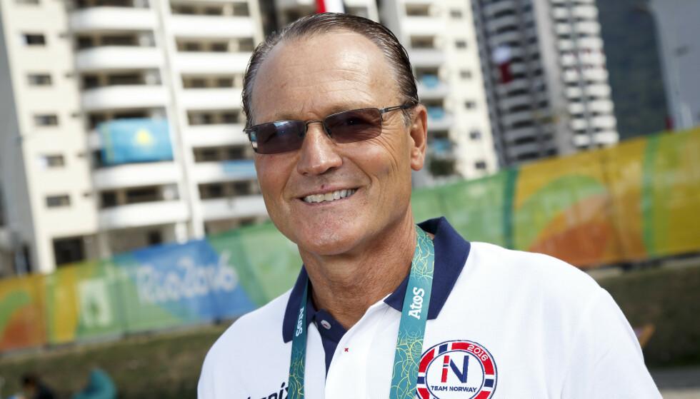 BLIR TIL 2024: Landslagssjef for svømming Petter Løvberg, her fra OL-landsbyen i Rio de Janeiro under et pressetreff torsdag. Foto: Heiko Junge / NTB scanpix