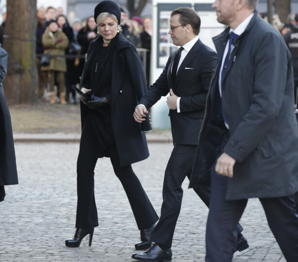 SAMMEN I SORGEN: Prins Daniel av Sverige og prinsesse Laurentien av Nederland. Foto: NTB scanpix