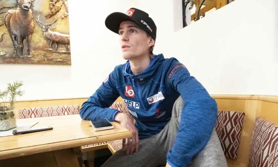 """FORBEREDELSER: Daniel-André Tande representerer et av de norske håpene i Hoppuka. I dag er det renn i Bergiselbakken i Innsbruck. """"Foto: Geir Olsen / NTB Scanpix"""