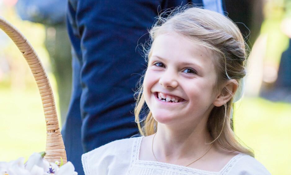 BENBRUDD: Prinsesse Estelle brakk nylig beinet, men er ifølge svenske medier tilbake på skolen allerede. Foto: NTB Scanpix