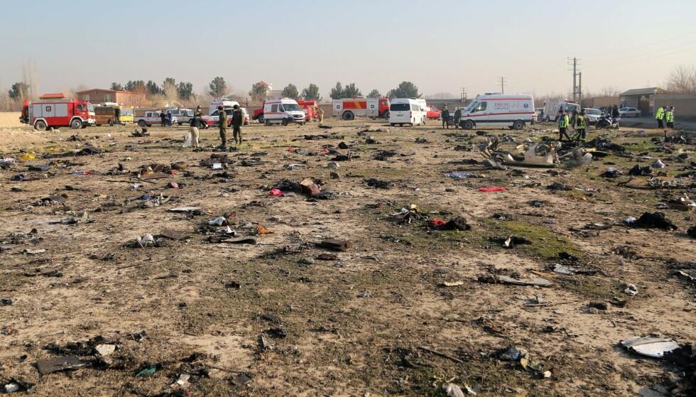 - RYDDET I GÅR: Mesteparten av vrakrestene etter Boeing 737-800-maskinen var fjernet fra åstedet allerede i går, ifølge CBS' korrespondent. Foto: Fatemeh Bahrami / Anadolu / Abacapress / NTB Scanpix