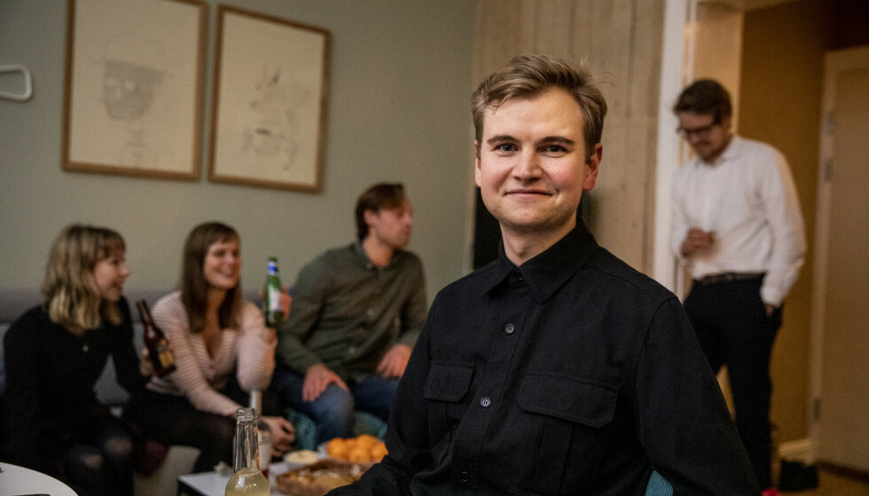 SLETTET FACEBOOK: Jens Obel fra Lillehammer har vært uten Facebook i to år. Han føler seg mer lykkelig uten. Foto: Christian Roth Christensen