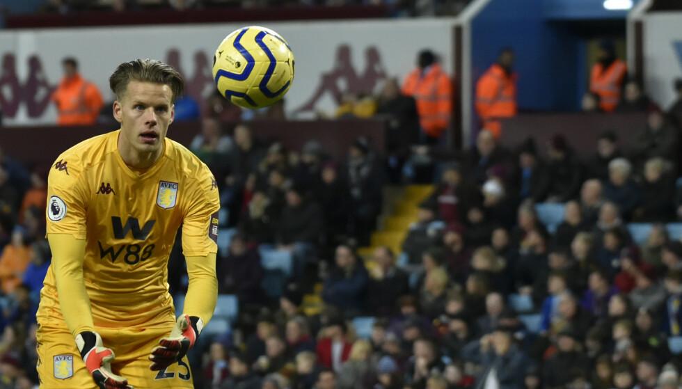 SLAPP INN SEKS: Aston Villa-keeper Ørjan Håskjold Nyland hadde en tung dag på jobben da Manchester City kom på besøk. Foto: Rui Vieira / AP / NTB scanpix