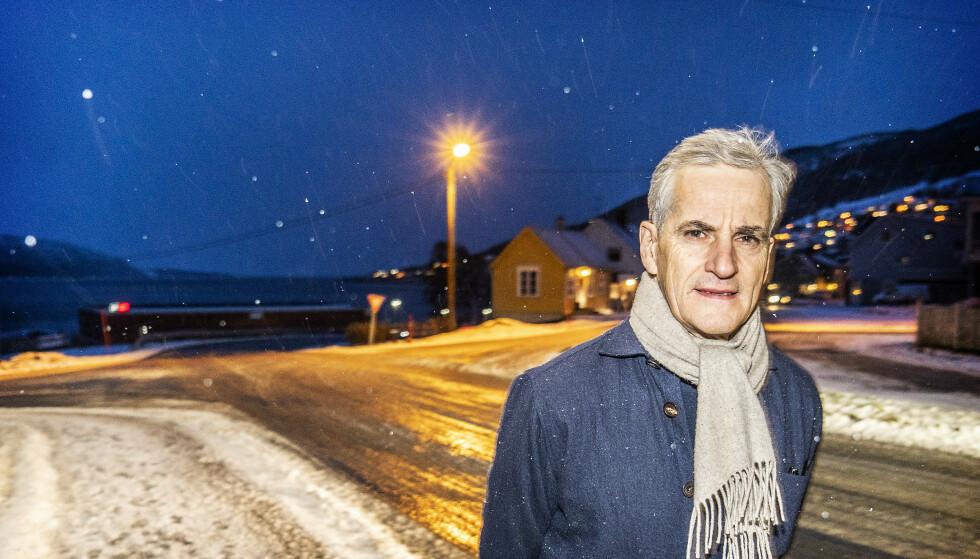 PÅ TOKT: Ap-leder Jonas Gahr Støre besøker denne uka små og store steder i Troms og Finnmark for å få innspill til Aps nye prorgram. Hele Aps stortingsgrupper tråler det nye storfylket onsdag, for så å samles i Tromsø torsdag. Ap skal gjenreise seg i nord etter det elendige kommunevalget, lover Støre. Foto: Hans Arne Vedlog/Dagbladet