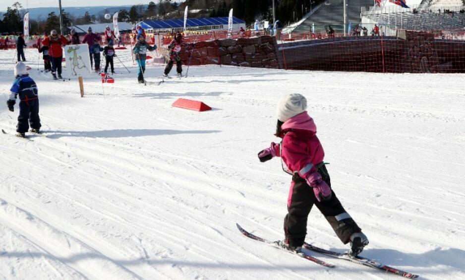 TRENING: Haltdalen IL i Trøndelag betaler 100 kroner til barn som kommer på skitreninger på mandager. Dette er et illustrasjonsbilde. Foto: NTB Scanpix
