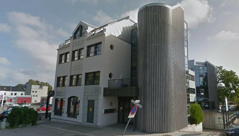 AVHØRT: Den mindreårige jenta ble avhørt flere ganger på Barnehuset i Moss. Foto: Google Street View