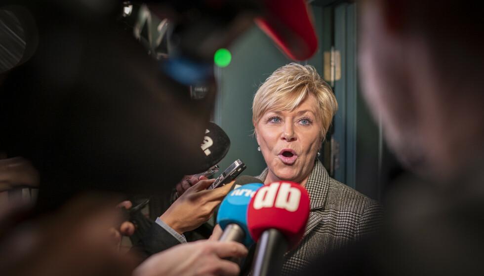 KREVER REGJERINGENS INNGRIPEN: Frp-leder Siv Jensen er rasende etter omtalen av hennes parti på en undervisningsnettside. Foto: Heiko Junge / NTB scanpix