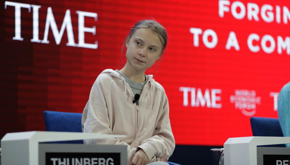 I FYR OG FLAMME: Greta Thunberg var en av hovedtalerne på ettermiddagens åpningssesjon i World Economic Forum i Davos. Årets konferanse handler om klimakrisa, og Thunberg la ikke fingrene mellom i møte med verdensledere og toppledere. Foto: Markus Schreiber / AP Photo / NTB Scanpix