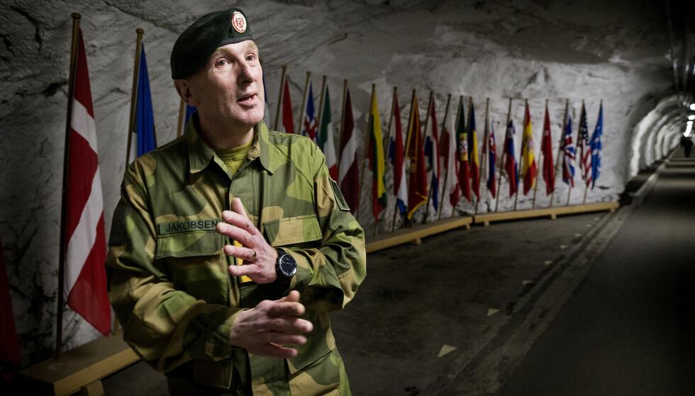 - IKKE ROBUST: - I en krisesituasjon er vi dag ikke robust nok, til å klare oss til vi kan få hjelp av NATO, sier generalløytnant Rune Jakobsen. Foto: Henning Lillegård / Dagbladet