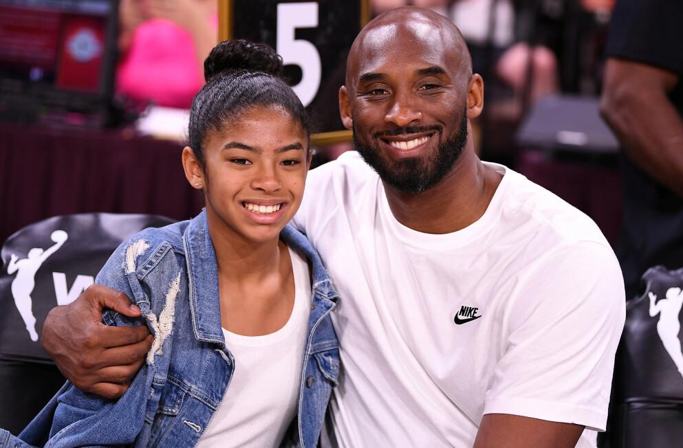 OMKOM: Kobe Bryant og dattera Gianna omkom sammen med sju andre personer januar i fjor. Foto: Stephen R. Sylvanie/USA TODAY/NTB