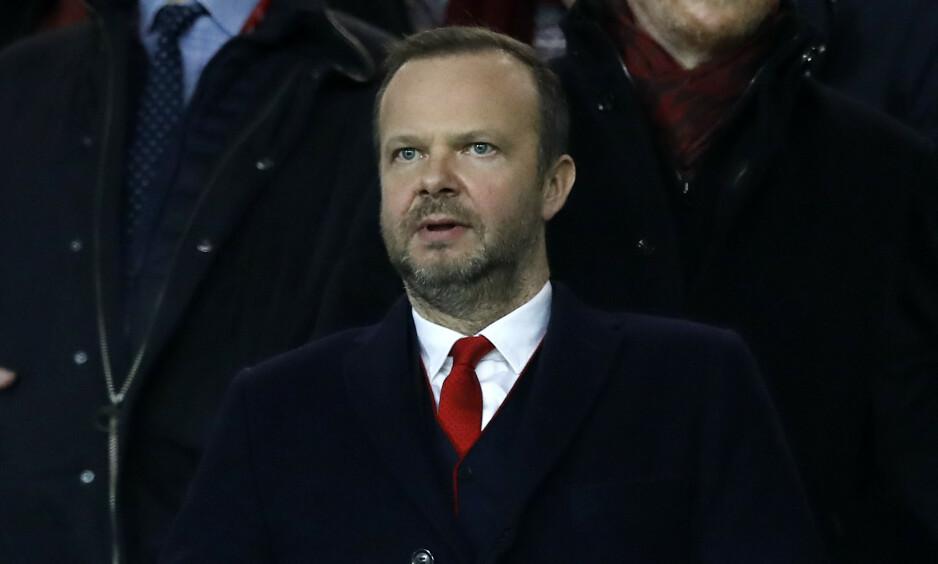 ANGREPET: Manchester Uniteds klubbdirektør, Ed Woodward, er i hardt vær. Det toppet seg i går kveld, da rundt 20-30 personer troppet opp utenfor huset. Foto: NTB scanpix