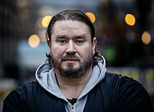 LEI AV Å PRATE: Mikael Ali har møtt utallige politikere, bydelsarbeidere og andre som vil høre hans råd og erfaringer, men opplever at alle sier at ting må gjøres, men at lite faktisk skjer.