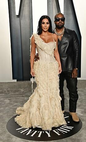 EKTEPAR: Kim Kardashian og Kanye West matchet ikke, men strålte i hver sine nøye utvalgte antrekk. Foto: NTB scanpix