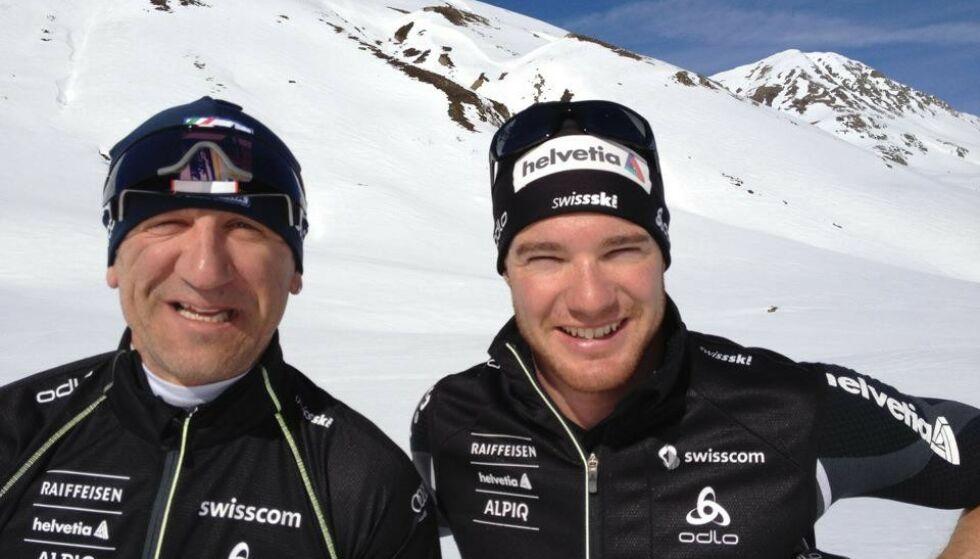 Smører og utøver: Marcolini har smurt skiene til mangfoldige gullvinnere. Her sammen med Dario Cologna, som han jobbet med før. Foto: privat