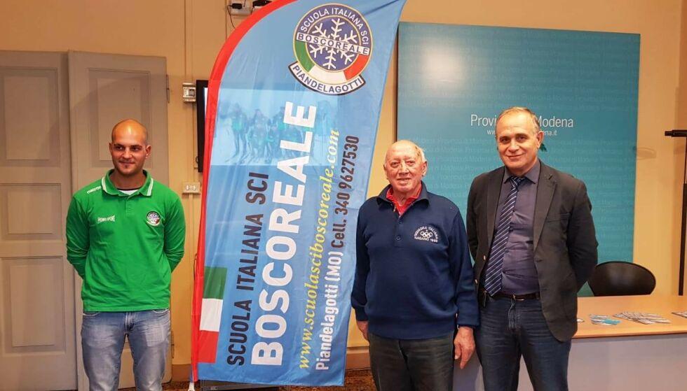 God venn: Leonello Binodini (i midten) var en nær venn av Manfredini. Biondini er president av skiklubben i Frassinoro. Foto: Commune di Frassinoro