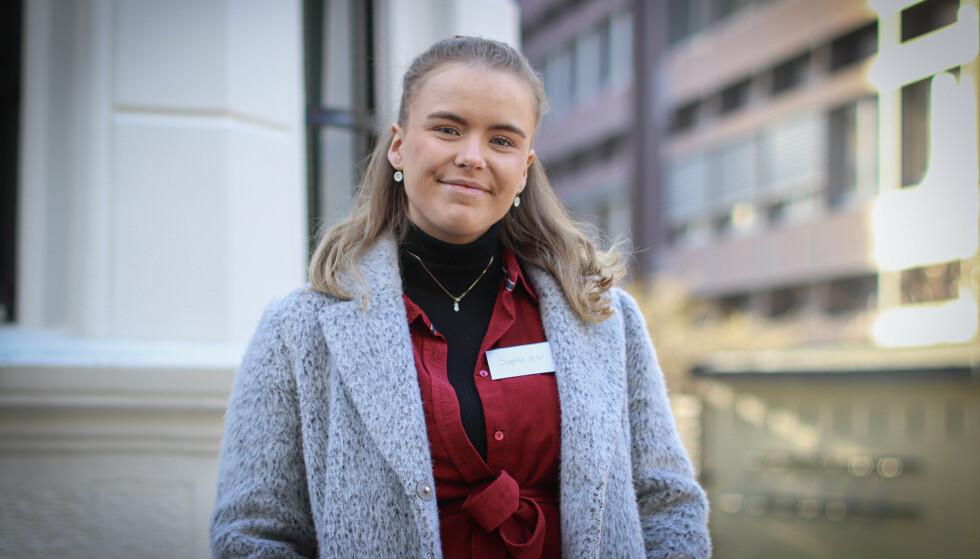 NARKOLEPSI: En kartlegging viser at Sophie Holten Wennberg (23) og flere hundre andre nordmenn sannsynligvis fikk narkolepsi etter at de tok svineinfluensavaksinen i 2009, ifølge eksperter ved Nasjonalt kompetansesenter for nevroutviklingsforstyrrelser og hypersomnier.