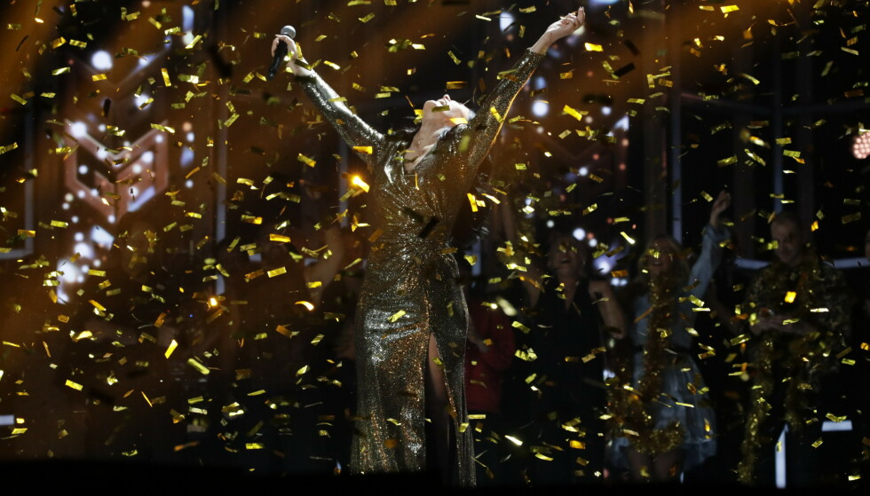 GÅSEHUD: Den riktige vinneren vant. Ulrikke Brandstorp var klart best, men tok en knepen seier foran Kristin Husøy, en ung artist vi skal ha øynene på. Foto: Bjørn Langsem