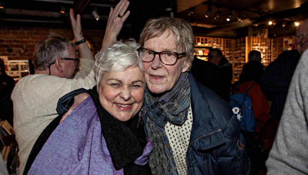 HVIL I FRED: Jon Christensen og kona Ellen Horn, fotografert våren 2018 på en overraskelsesfest for Paolo Vinaccia på Bare Jazz. Foto: Anders Grønneberg