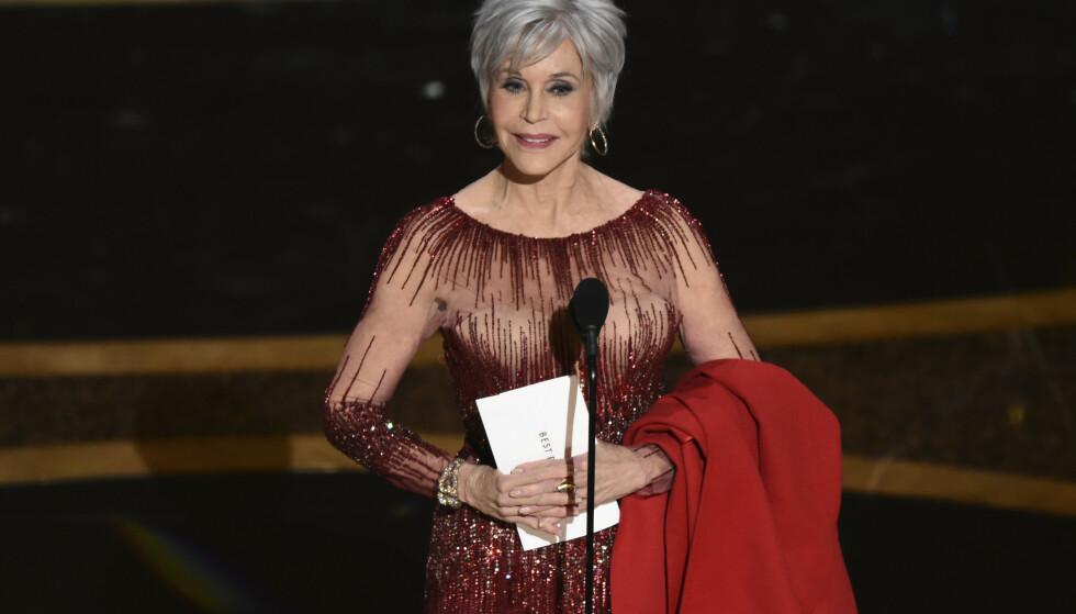 NYTT HÅR: Jane Fonda dukket opp med ny frisyre under årets Oscar-utdeling. Foto: NTB scanpix