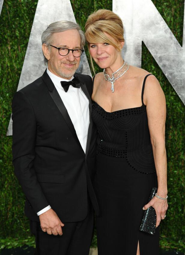 MOR OG FAR: Steven Spielberg og kona Kate Capshaws datter vil livnære seg av porno. Det skal ha vært i orden for foreldrene. Her er de under Oscar-utdelinga i 2013. Foto: NTB Scanpix