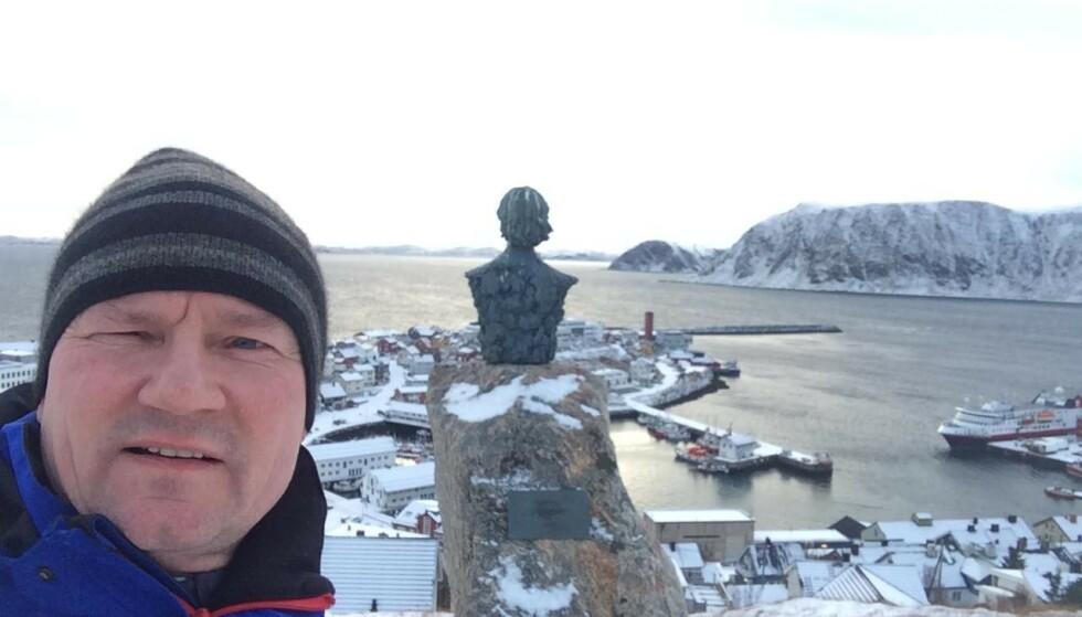 KREVER BEREDSKAP: SV-ordfører Jan Olsen i Nordkapp kommune mener mer må gjøres for å holde veiene åpne. Fredag er i praksis hele kommunen isolert fra omverden. Foto: Privat