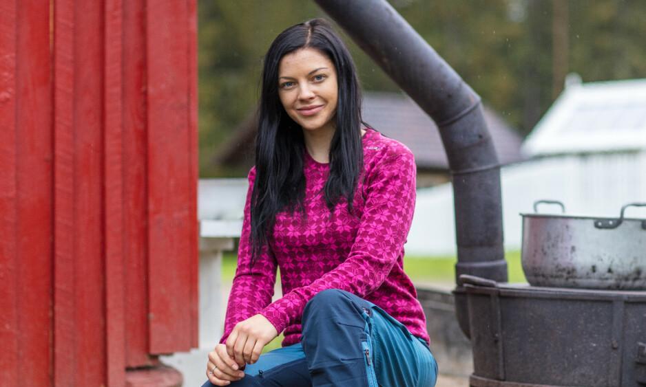 GA OPP: Stina Bakken røk ut av «Farmen kjendis» på søndag. Da hun ankom «Torpet» samme dag, innså hun fort at det ikke var noe hun ville. Foto: Alex Iversen / TV 2