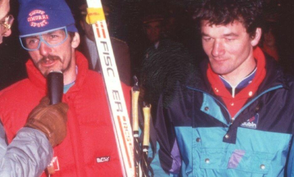 Døde: Paolo Manfredini (til høyre), Italias store skismøringsguru, var den første i verden som tok i bruk vidundermiddelet fluor-skismøring. 45 år gammel døde han av lungekreft. Venner av ham setter nå dødsfallet i forbindelse med fluor-smøringen. Her står han sammen med Maurilio De Zolt, som svært overraskende tok VM-gull i 1987. Smøringen ble tillagt hovedæren. Foto: Gazzetta di Modena