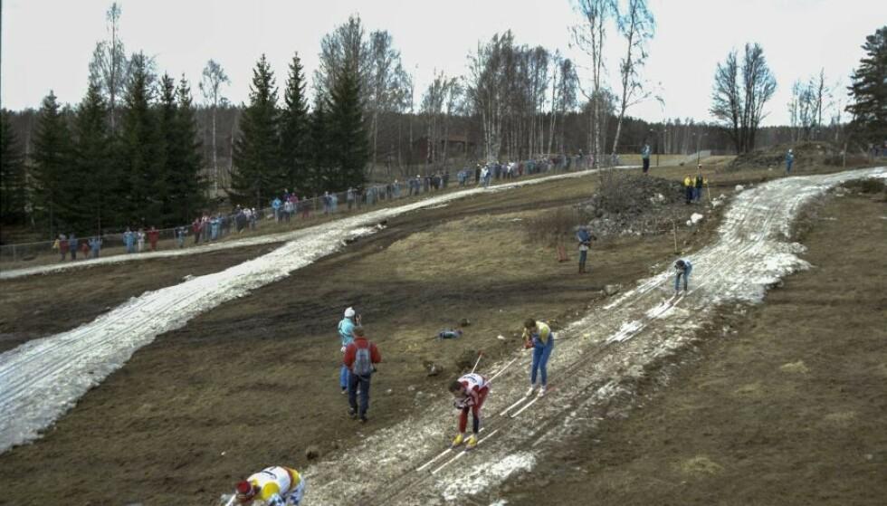 SNØFATTIG: Det er dette bildet som er hyppig delt på Facebook, og det ble tatt under verdenscupen i Falun 11. mars 1989. Foto: Lars Hedberg 7 TT / NTB Scanpix
