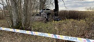 Død person funnet i brennende bil