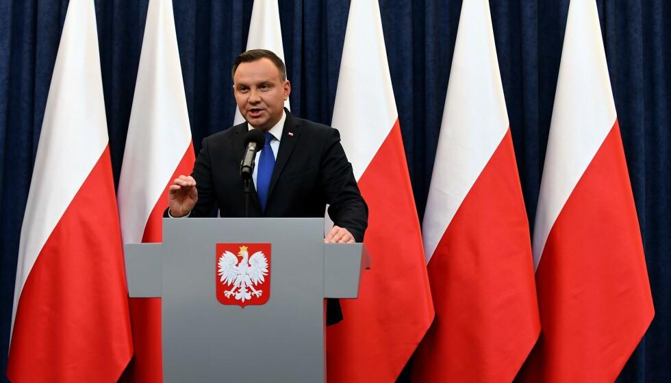 ENSRETTER: President Andrzej Duda leder an i den nasjonalistiske utviklingen i Polen. FOTO: JANEK SKARZYNSKI / AFP)