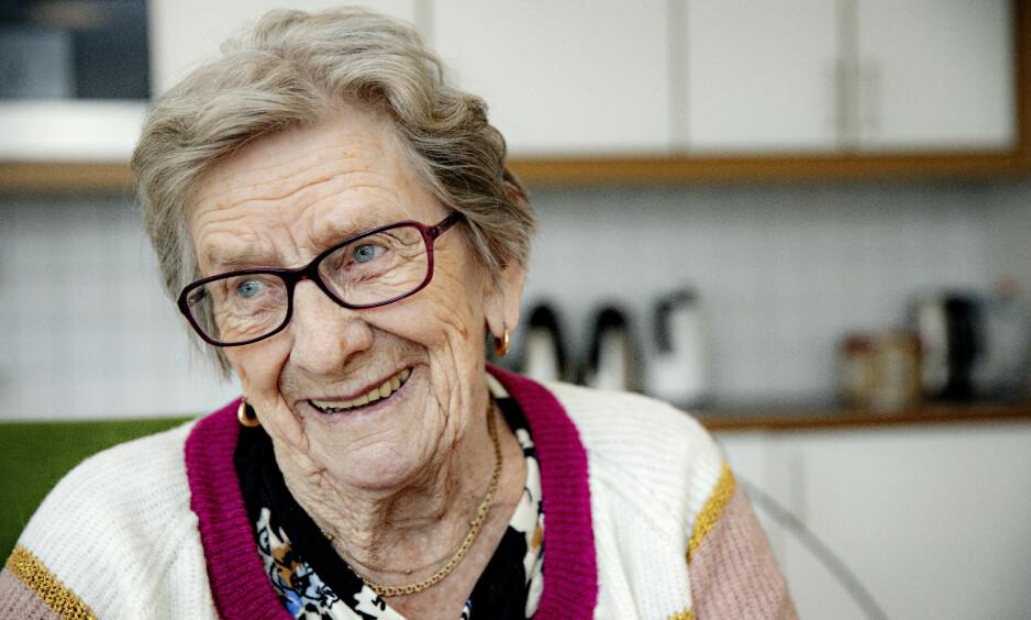 MANGE MEDISINER: Reidun Lindstad (84) har fått ryddet opp i medisinbruken, og er blitt mye kvikkere. Det finnes en rekke medisiner eldre bør være forsiktige med å bruke, og noen medisiner bør de ikke bruke i det hele tatt.