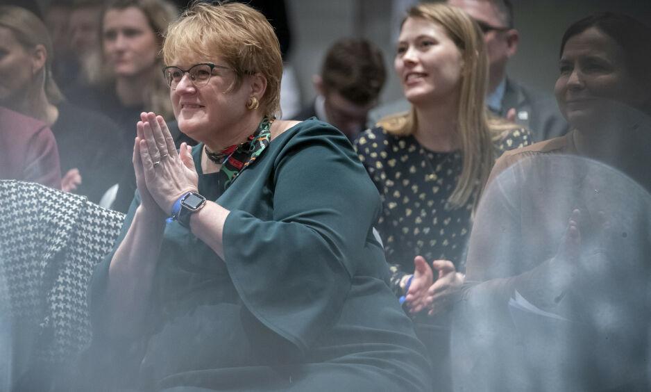 ENDRER GRENSA: Kunnskapsminister Trine Skei Grande endrer nå fraværsgrensa. Foto: Heiko Junge / NTB scanpix