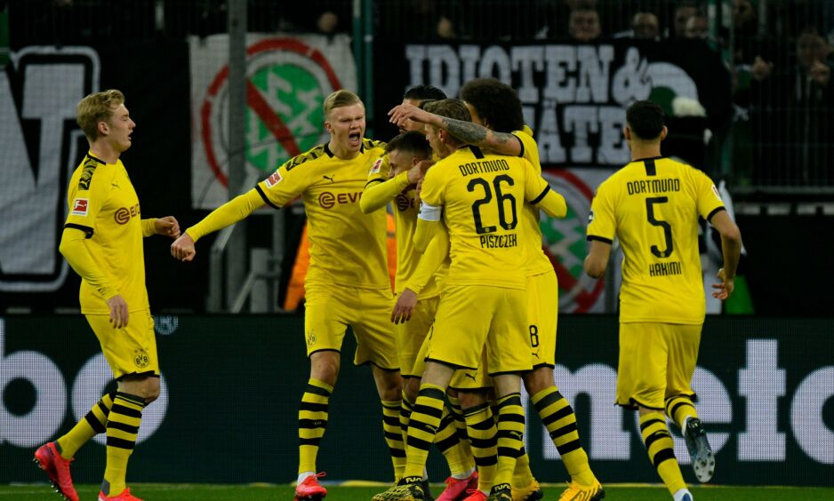 VANT: Borussia Dortmund vant mot rival 'Gladbach lørdag. Foto: SASCHA SCHUERMANN / AFP