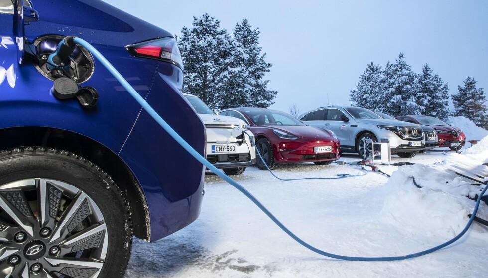 GÅR FINT: Det å kjøre en elektrisk bil, gjennom en tøff, norsk vinter, uansett hvilken du velger, er ikke noe å være redd for. De klarer seg bra, ifølge vår test.
