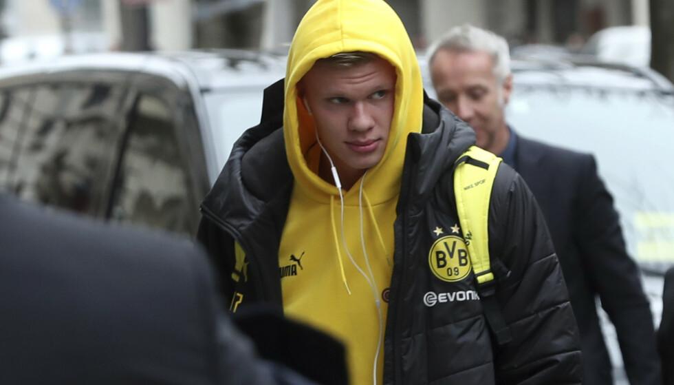 BØNN: Tidligere Dortmund-spiller ber ettertraktede Erling Braut Haaland om å ta en sesong til i Borussia Dortmund. Foto: AP Photo/Thibault Camus