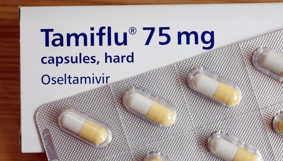 Mandatory Credit: Photo by Adrian Brooks/REX (961773b) Tamiflu (Oseltamivir) Tamiflu (Oseltamivir) anti-viral medication - Jul 2009 Tamiflu (Oseltamivir) anti-viral medication used in the treatment of influenza, swine flu and bird flu.