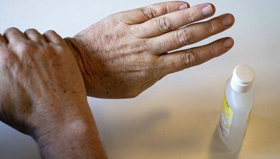 GIRER OM: Akevittprodusenten Arcus har nå begynt å lage håndsprit for å avhjelpe situasjonen. Foto: Ida Guldbæk/Scanpix