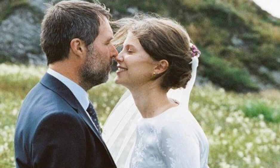 VENTER BARN: Regissør Stian Kristiansen og skuespiller Eili Harboe giftet seg i fjor sommer, og nå venter de sitt første barn sammen. Foto: Privat / Marthe Thu