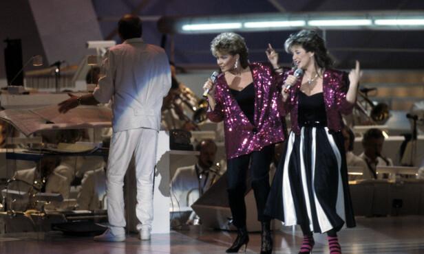 TIL TOPPS: Elisabeth og Hanne Krogh, eller Bobbysocks som de kalte seg, gikk til topps i Eurovision i 1985. Foto: NTB Scanpix