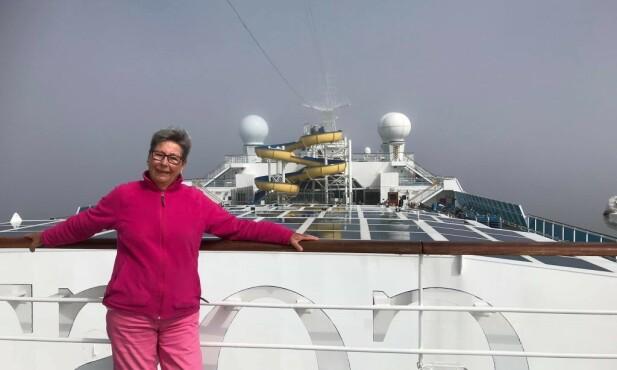 - GÅR FINT: Pensjonist og tidligere kongehusreporter Wibecke Lie er en del av et følge på 27 pensjonister. Foto: Privat