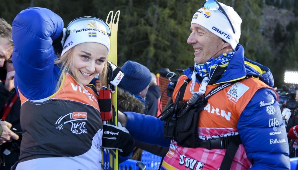 SKIFTER BEITE: Stina Nilsson offentliggjorde et oppsiktsvekkende valg søndag. Hun går fra langrenn til skiskyting. Til høyre: Ole Morten Iversen, tidligere trener for det svenske damelandslaget. Nå trener han de norske jentene. Foto: NTB scanpix