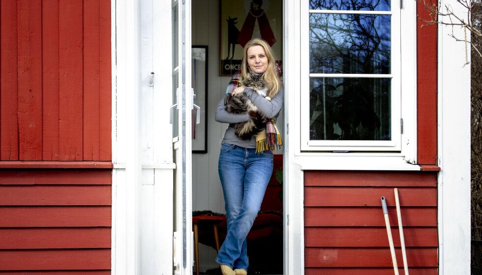 BLE SMITTET: Trude Lorentzen er journalist i Dagbladet. Hun har fått påvist coronaviruset - slik oppleves det for henne.