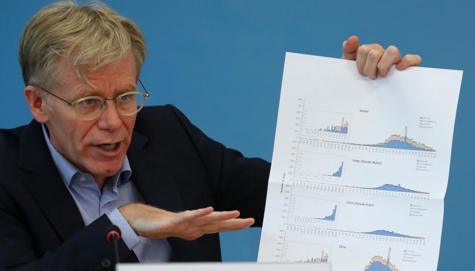 EKSPERT: Bruce Aylward i WHO mener Europas tiltak er feil i kampen mot Coronaviruset. Foto: Denis Balibouse / Reuters / NTB Scanpix