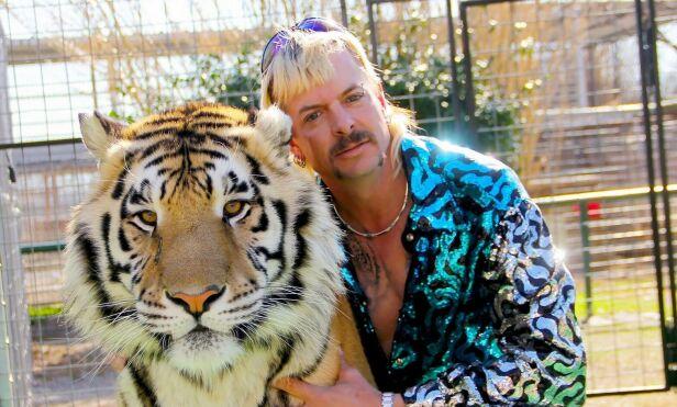 SPINNVILT: Joe Exotic ble filmet i en periode på fem år, der alt går rett vest for tigereieren i Oklahoma. Nå forteller Rick Kirkham, som bor i Norge, om perioden har bodde med Exotic. Foto: Netflix