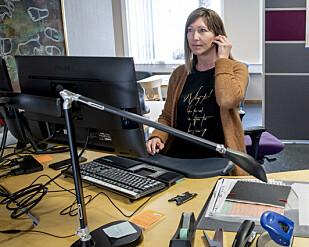 - NEI, DESSVERRE: Grete Brårmo på kommunehuset i Vinje får minst hundre telefoner om dagen fra folk som gjerne vil på påskebesøk. Foto: Lars Eivind Bones.