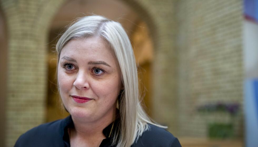 MÅ SVARE: Olje- og energiminister Tina Bru (H) må svare for Equinor-brannene og bæsjeskummet på Melkøya. Foto: Terje Pedersen / NTB scanpix