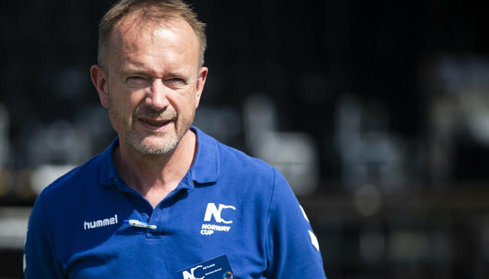 TAKKER: Generalsekretær i Norway Cup, Pål Trælvik, takker politikerne for støtten. Foto: Trond Reidar Teigen / NTB